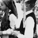 Nawiedzenie kopii obrazu 1973 r. - powitanie przez dzieci. Apa.