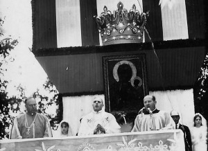 Nawiedzenie kopii obrazu w 1973 r. - uroczysta Msza Św. Apa.
