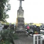 Wspólny grobowiec księży - Michała Brzozowskiego i Jana Szwarca [2005 r.]. Foto W. Cichecki.