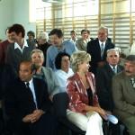 Otwarcie sali gimnastycznej w Bebelnie - zebrani goście [2005 r.]. Apa.