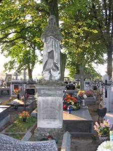 Nagrobek Ksawery z Kosińskich Przyłęckiej (małżonki Sabina Przyłęckiego) na bebelskim cmentarzu [2005 r.]. Foto W. Cichecki.