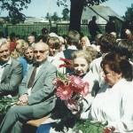 Uroczystość nadania imienia W. Przybyszewskiego szkole w Bebelnie - zebrani goście (druga z prawej - Irena Przybyszewska). Ap.