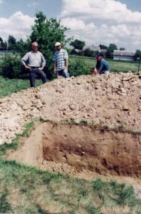 Badania wykopaliskowe na Wieżysku - maj 2002 r. Foto C. Nowak.