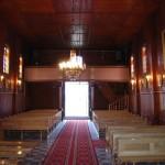 Wnętrze kościoła - widok w stronę chóru i drzwi głównych [2006 r.]. Foto W. Cichecki.