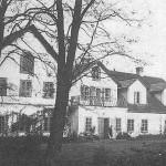 Budynek krzepińskiego dworu [lata 60 XX w.]. Ap.
