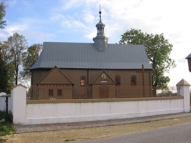 Widok na kościół od strony północnej [2012 r.]. Foto W. Cichecki.