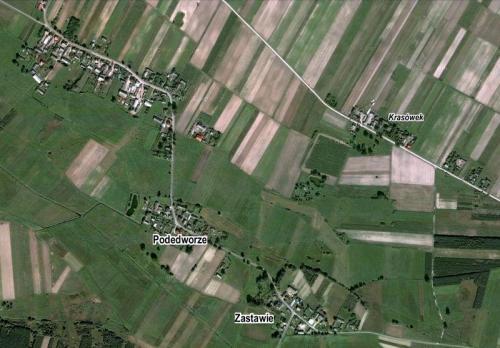 Orientacyjne rozmieszczenie niektórych części miejscowości i nazw miejscowych (kursywa) Krasowa, opr. własne, www.maps.google.com.