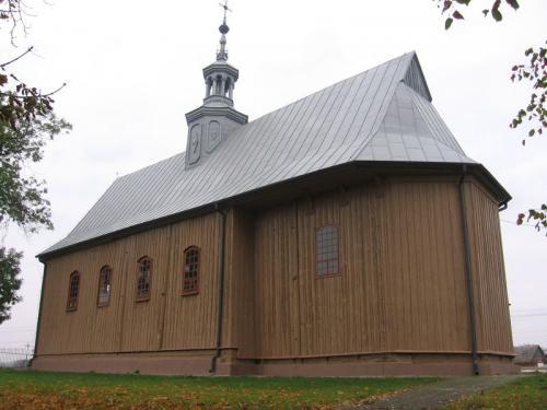 Widok na kościół od strony południowo-wschodniej [2012 r.]. Foto W. Cichecki.