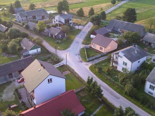 Widok na fragment zabudowy Krasowa [2010 r.]. Foto M. Suliga (serwis internetowy Online s.c.).